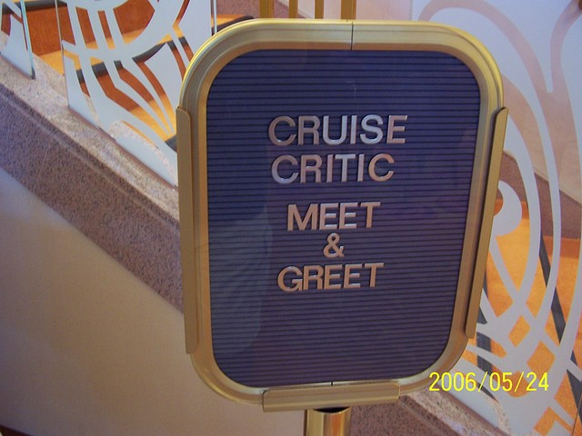 CruiseCritic welcome sign on the Pride of Hawai'i