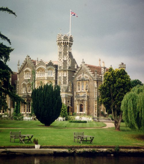 [Manor Near Henley (turned out to be George Harrison's)]