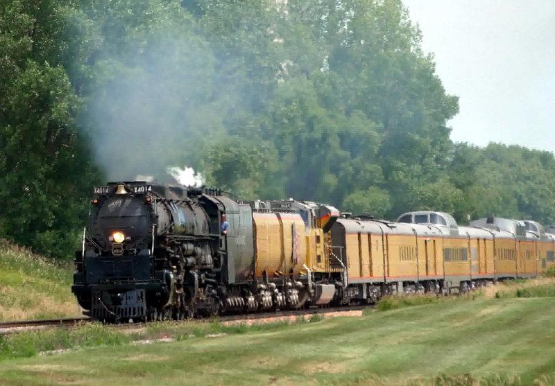 [UP 4014 Approaching Arcadia, Iowa]