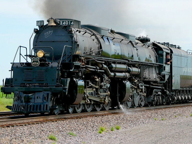 [Big Boy Locomotive 4014 at Rural Cossing Near Ogden, Iowa]