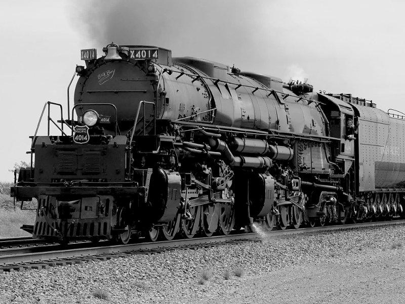 [Big Boy Locomotive 4014 at Rural Cossing Near Ogden, Iowa (monochrome version)]