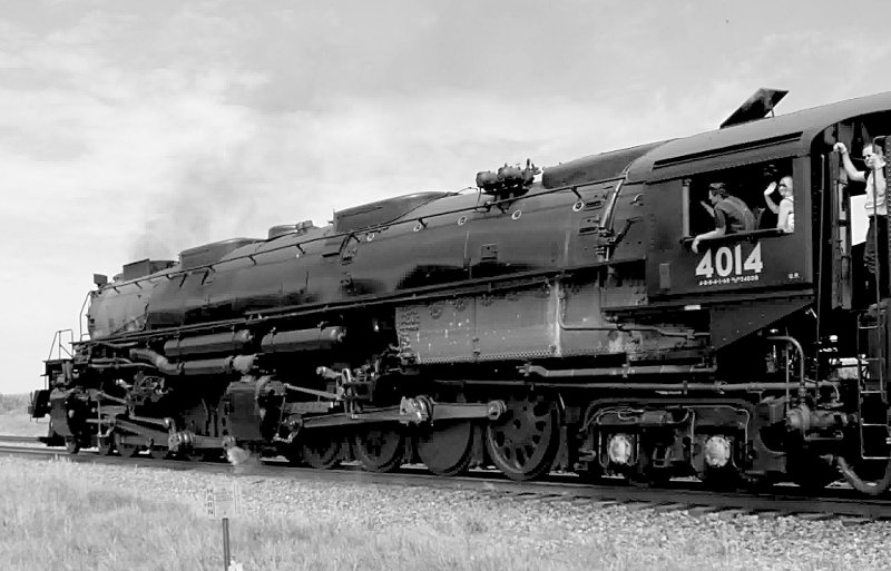 [Big Boy Locomotive 4014 Passing Us at Rural Cossing Near Ogden, Iowa (monochrome version)]