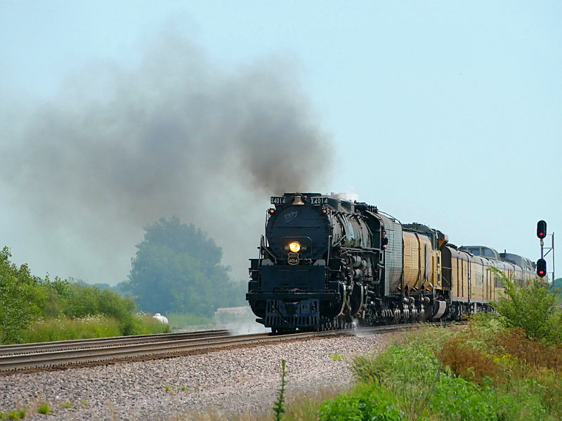 [Big Boy Approaching Rural Cossing Near Ogden, Iowa]
