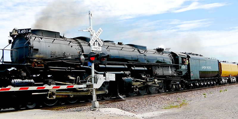 [Big Boy Roaring Past at Rural Cossing Near Ogden, Iowa]
