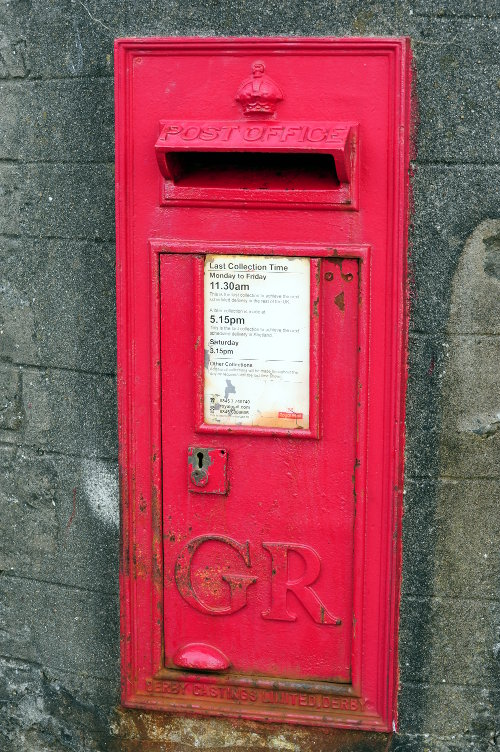 [Proper Postbox (red)]