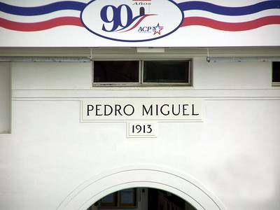 [Pedro Miguel Lock, completed in 1913]
