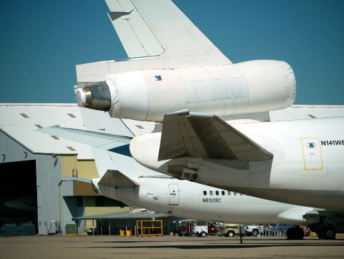 [DC-10 Tail with Engine]