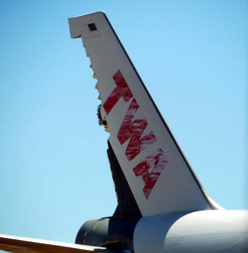 [TWA Tail missing rudder]